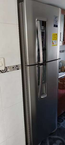 Nevera No Frost Electrolux 382Lts TW42S