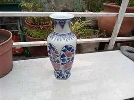 Jarron florero de cerámica pintada