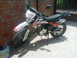 Se vende de portunidad motocicleta axxo trz