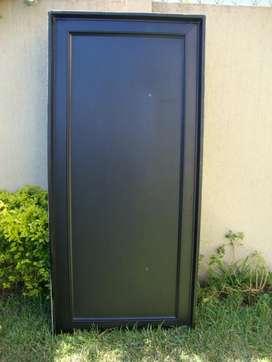 Vendo puerta de aluminio una hoja