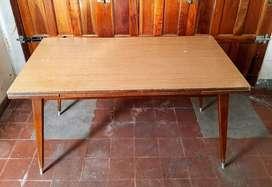 mesa de madera con trampa largo 1,40m a 2m ancho 77cm