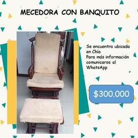 MECEDORA CON BANQUITO