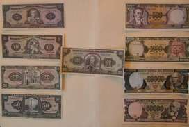 Vendo colección de billetes antiguos ecuatorianos, excelente conservación, 45 dólares.