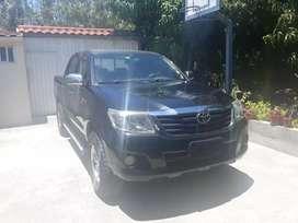 Vendo camioneta TOYOTA HILUX 2,7 4X2