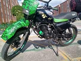 VENDO MOTO AKT TT 150cc