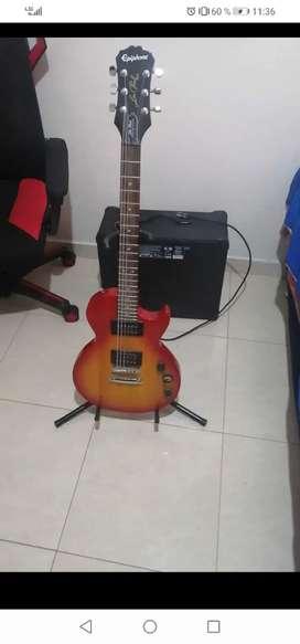 Guitarra epiphone y amplificador Marshall
