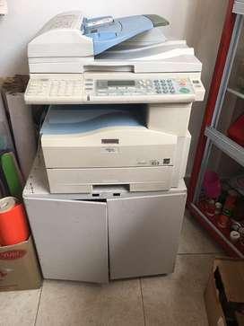 Impresora RICOH, Laminadora Royal, Guillotina