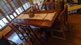 Mesa algarrobo 6 sillas cuero vacuno