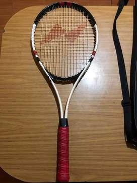 Vendo raqueta NASSAU OPTIMUS