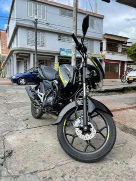Vendo Moto Discover 125 St R como nueva.