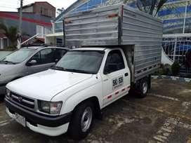Toyota Hilux. modelo 2000