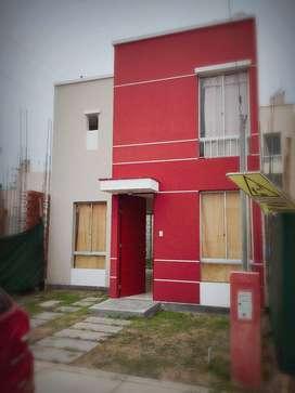 Alquiler de casa de dos pisos en villaclub 13001300
