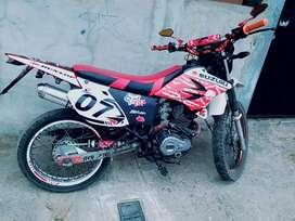 Se vende moto sukida deportiva