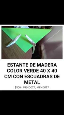 ESTANTE ESQUINERO GRUESO COLOR VERDE CON MÉNSULA