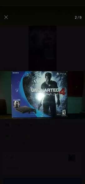 PS4 slim con uncharted 4 y 2 jostick impecable