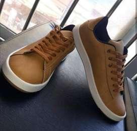 Vendo Zapatos (nuevos) Talla 39