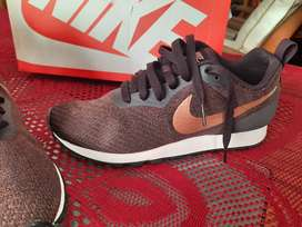 VENDO zapatillas NIKE runner Original (38)