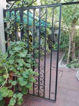 Portón de Caño con Hierro Forjado