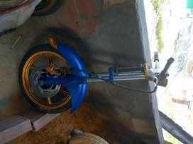 Vendo tren de moto 180pulsar