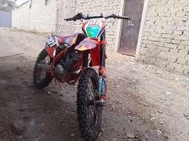 Remató moto KTM 250