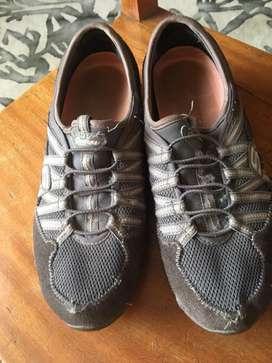 Zapatillas Skechers  Talla 38.5 de cuero gamuza