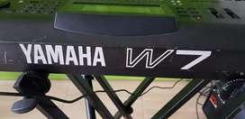 Vendo Sintetizador Yamahana W7, cambio por interfase y micro condensador.