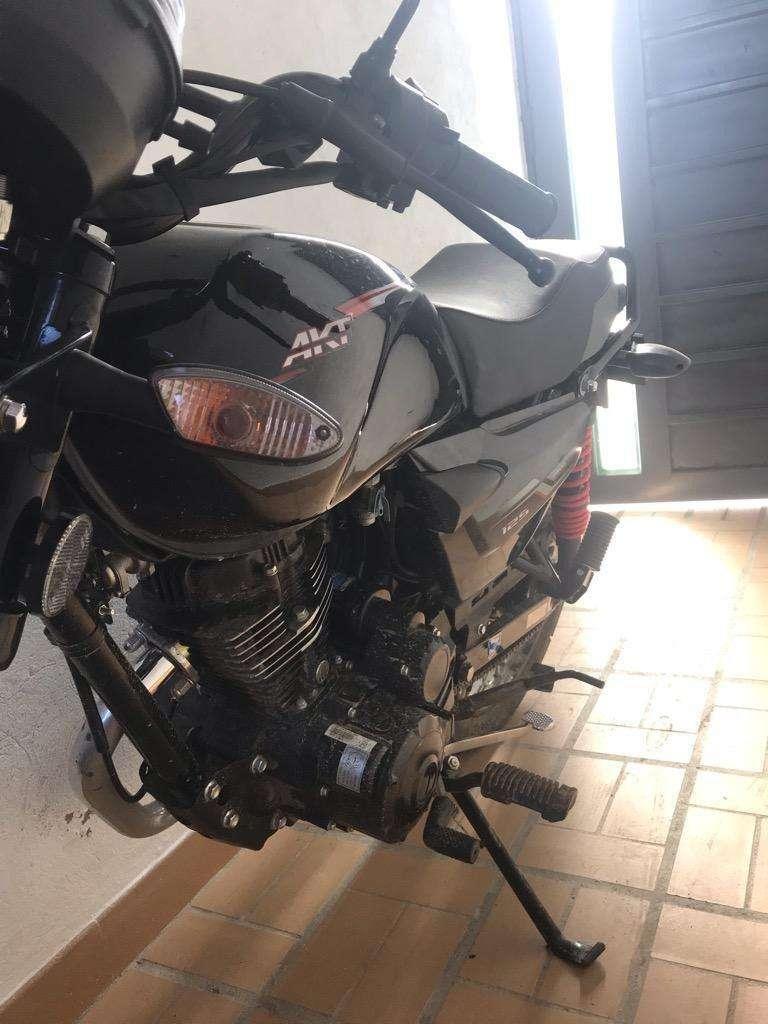 Moto AKT nkd con solo 5km 0