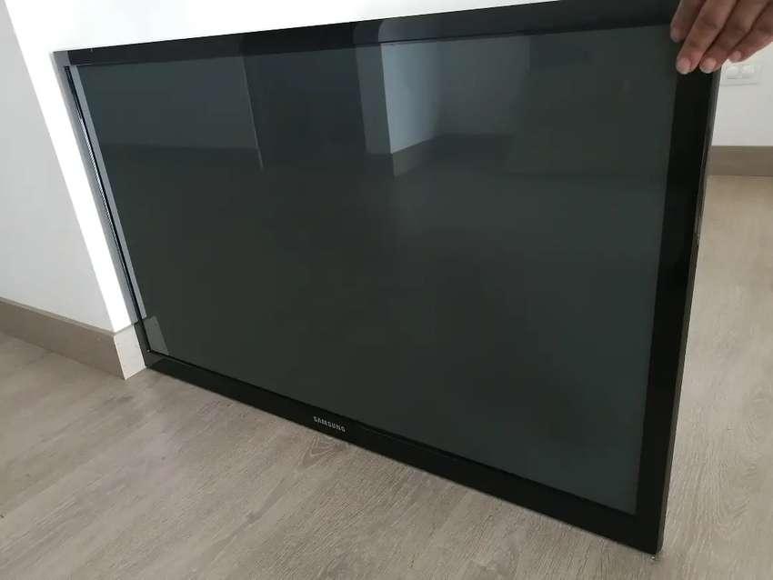 TV 43 PULGADAS HD, SAMSUNG, COMO NUEVO