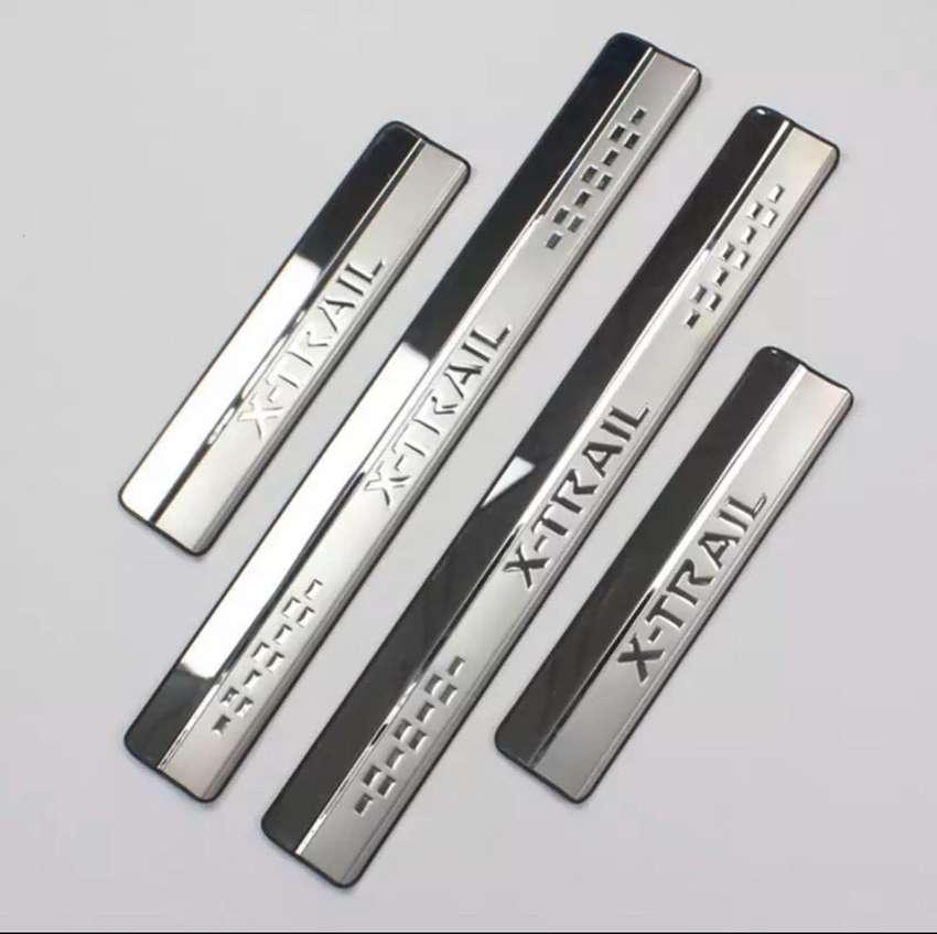 Placas para evitar desgaste de nissan xtrail 0