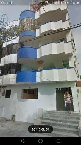 Alquiler de habitaciones en edificio, cerca del centro