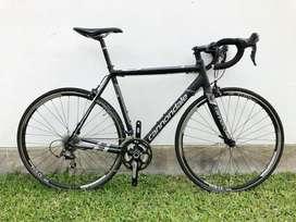 Bicicleta De Ruta Nueva Cannodale En Aluminio tamaño 54