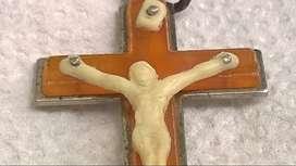 Dije Cruz Cristo De Metal Y Plástico