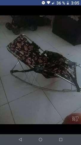Vendo silla mesedora para bebes