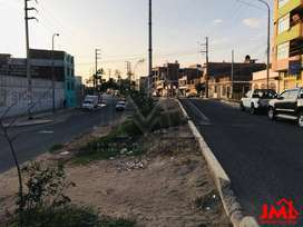 Terreno Esquina - Comercial EN AV. Metropolitana DE 236 M. - Precio DE Ocasión