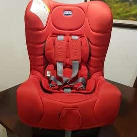 VENDO Silla de bebé para vehículo marca Chicco Eletta, importada.