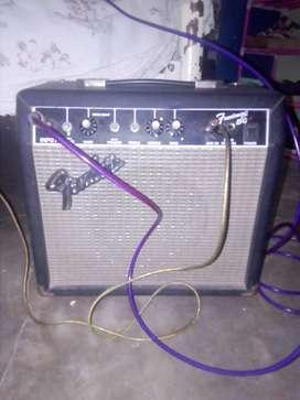 AMPLIFICADOR FENDER 15 watts