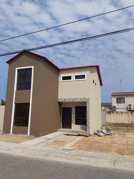 Casa en  en Urb. Villa Club, Daule cerca de CC El Dorado