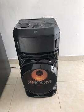 SE VENDE LG XBOOM 1 mes de uso