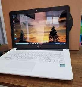 Computador hp nuevo color blanco