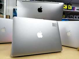MacBook air core i7