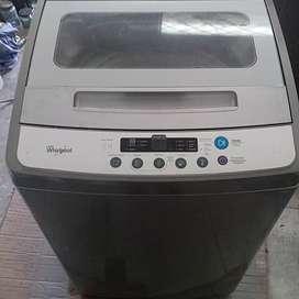 Se vende lavadora whirlpool 24 libras en exelente estado