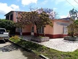 Hermosa casa esquinera mariquita