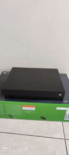 XBOX ONE X 4 MESES DE USO