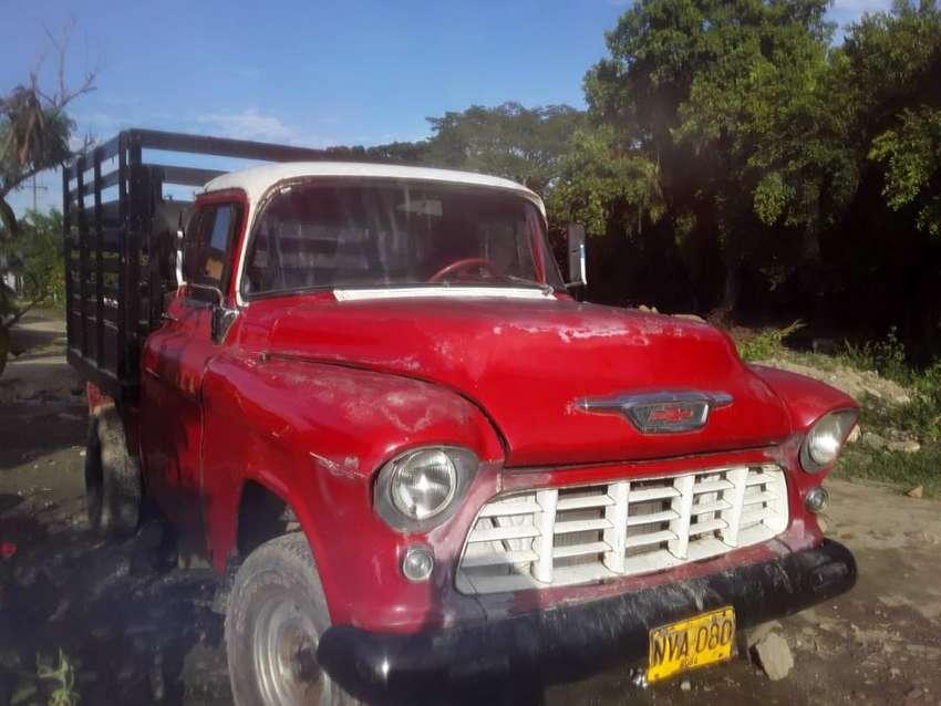 Chevrolet Apache estacas en buenas condiciones y barata 0