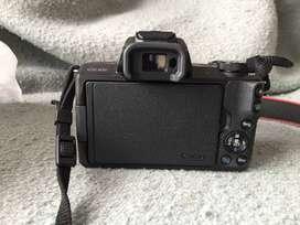 Se vende Cámara Canon M50