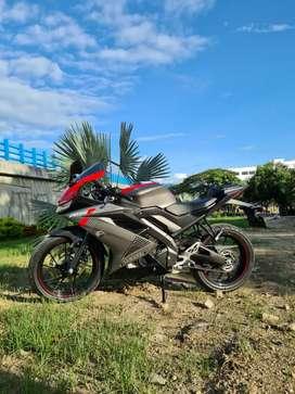 R15 hermosa como nueva YAMAHA R15