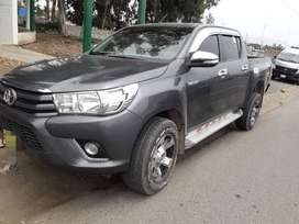 Toyota hilux srv 4 x 4