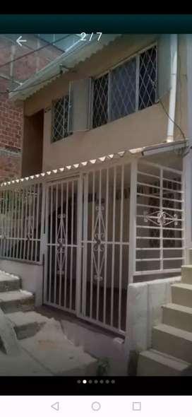 Venta de casa dos pisos totalmente independientes