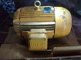 Motor trifásico 7,5 hp WEG