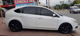 FORD FOCUS TREND 1.6 ROD 2012 GNC 5TA/ financio rec/menor